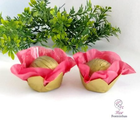 50 Forminhas Flor Primavera em Papel Base Dourada Goiaba - F041