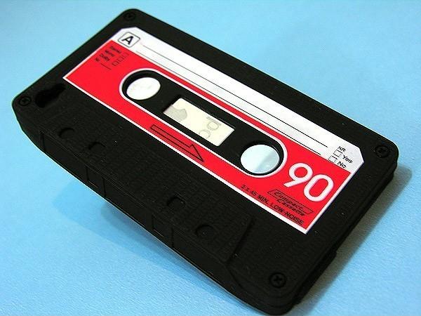 Case de Fita K7 - iPhone e iPod Touch