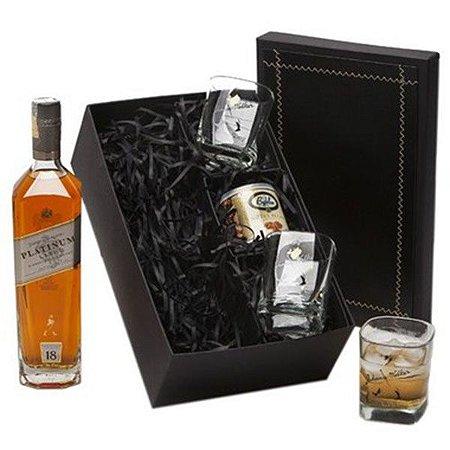 Kit Whisky Johnnie Walker Platinum 750ml com Copos e Castanhas