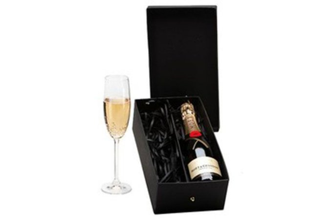 Kit Champanhe Moet Chandon 375ml com Taça Cristal