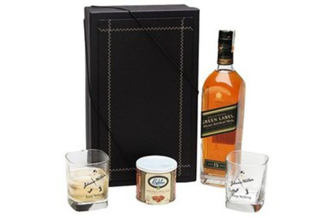 Whisky Johnnie Walker Green Label 750ml com Copos e Castanhas
