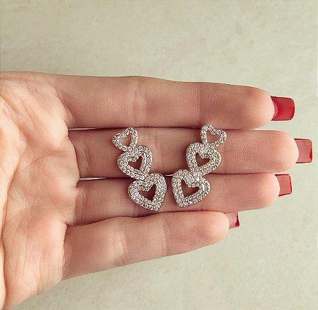 Brinco Ear Cuff Corações com Mil Zircônias Diamond Dourado