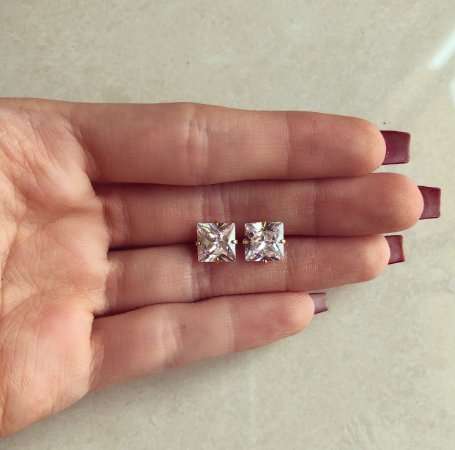 Brinco Quadradinho Grande de Zircônia Diamond Dourado