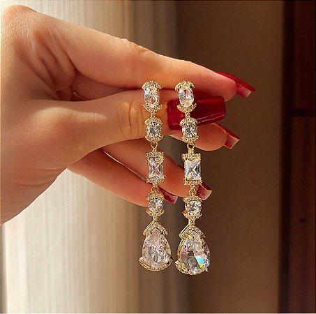 Brinco Veneza Cravação de Micro e Maxi Zircônias Diamond Luxo Dourado