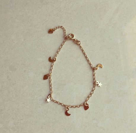 Pulseira Pingentes Delicados (Lua, Estrela e Coração) Dourado