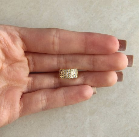 Piercing de Pressão Micro Cravação de Zircônias Diamond Dourado