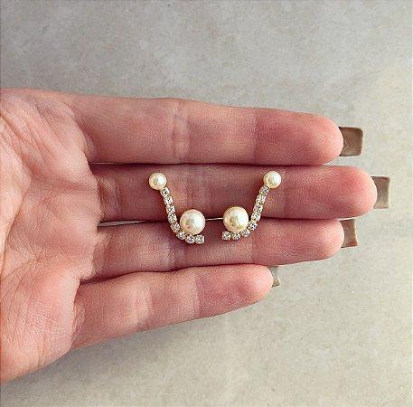 Brinco Ear Cuff Cravação Zircônias Diamond com Pérolas Dourado