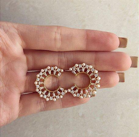 Brinco Sallinas Redondo Cravação Mini Pérolas e Zircônias Diamond Dourado