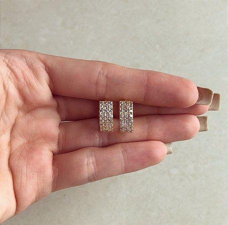 Argola Média Quadradinha Cravação Mil Zircônias Diamond Dourado