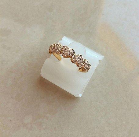 Anel Corações Cravejados de Micro Zircônias Diamond Dourado
