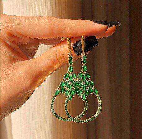 Brinco Zurique Luxo Cravação Zircônias Verde Esmeralda Dourado