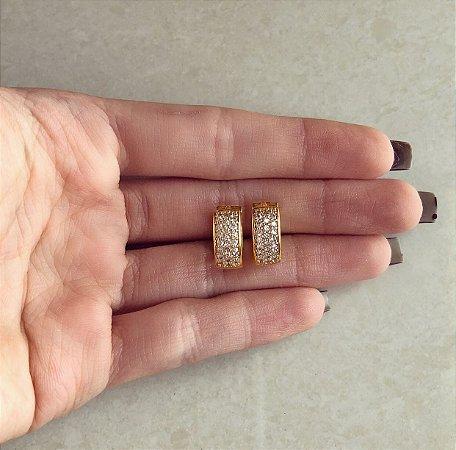 Argola Média Veneza Cravação Mil Zircônias Diamond Dourado