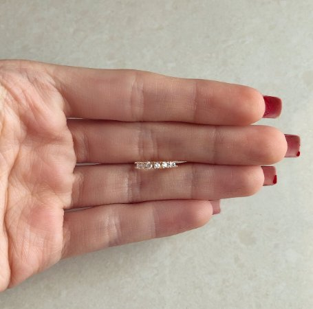 Piercing de Pressão Fino Cravejado com Zircônias Diamond Dourado