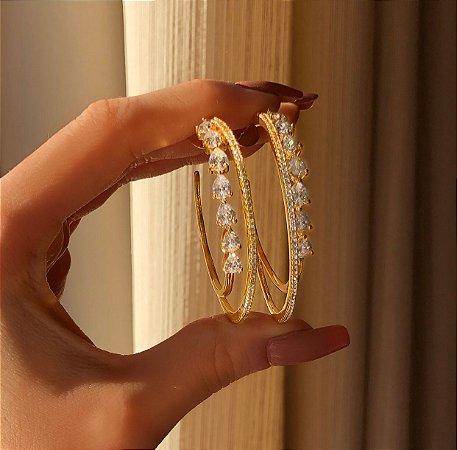 Argola Dupla Luxuosa Cravação Mil Zircônias e Navetes Diamond Dourado