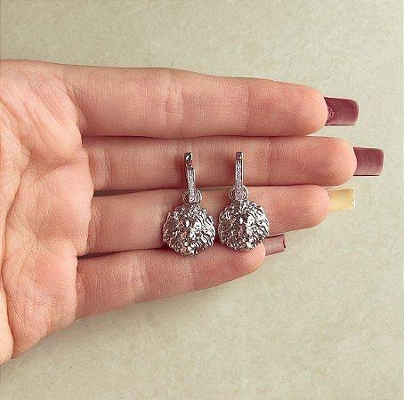 Argolinha Cravada de Zircônias Diamond e Pingente de Leão Ródio Branco