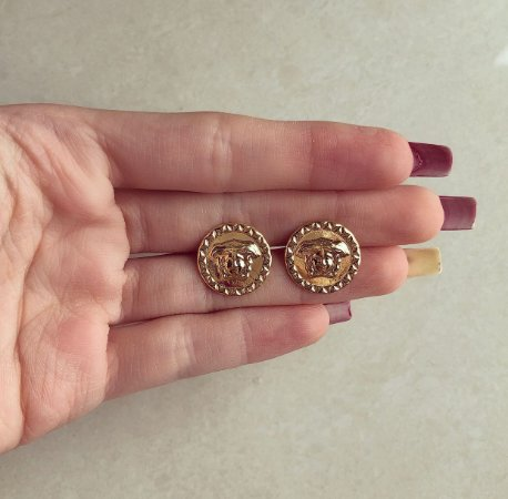 Brinco Redondo Medusa Grande Dourado