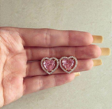 Brinco Maxi Coração Zircônia Safira Rosa e Diamond Dourado