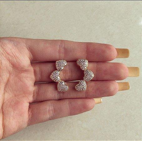 Brinco Ear Cuff Corações de Micro Zircônias Diamond Dourado