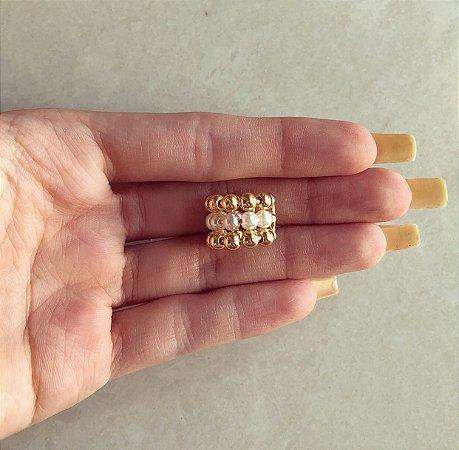 Piercing de Pressão Charmosa Pérolas e Bolinhas Dourado