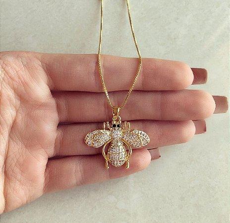 Corrente Com Abelha Cravejada de Mil Zircônias Diamond Dourado