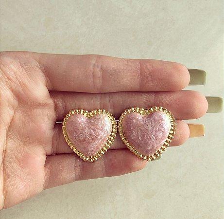 Brinco Maxi Coração Esmaltação Rosa Pérolado Dourado