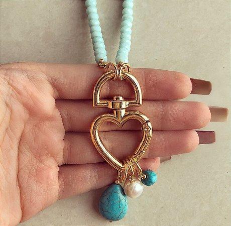 Corrente Cristais Azul Claro com Pingente de Coração Vazado com Pedra Natural Turquesa e Pérola de Água Doce Dourado