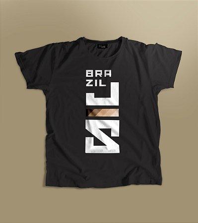 Camiseta BrazilJS preta logo vertical diversidade racial