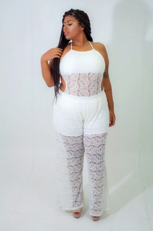 Calça Pantalona em Renda Off White Plus Size