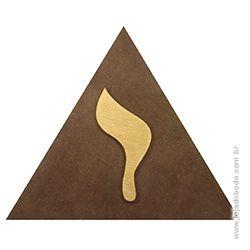 Delta (Triângulo) em madeira com Yod em dourado
