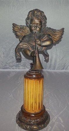 Anjo com corneta no pedestal - 33cm