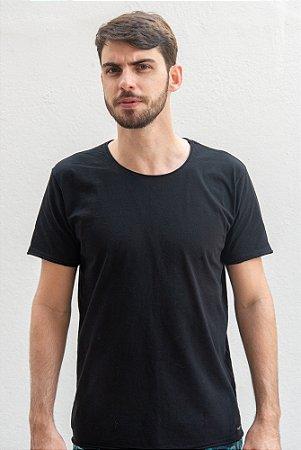 Camiseta Black Essentials