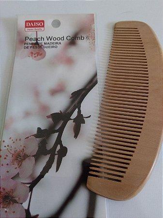 Pente de Madeira de Pessegueiro - Daiso - Japan - T519