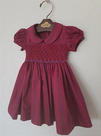 Vestido bordado casinha de Abelha Lilian