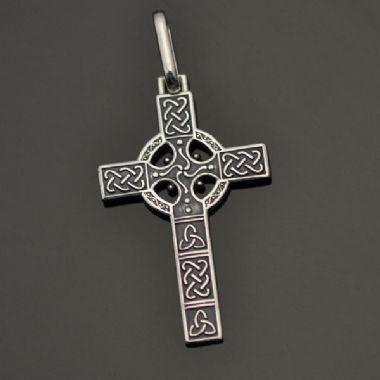 Pingente Cruz Céltica pequena em prata em 950k