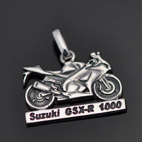 Pingente Moto Suzuki em prata 950k