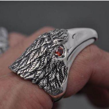 Anel Big Águia com zircônias nos olhos em prata 950k