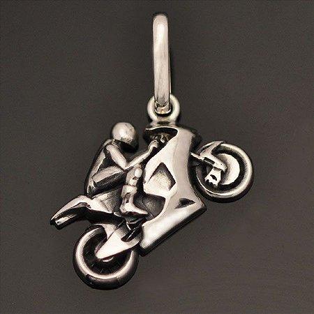 Pingente Moto Esportiva em prata 950k