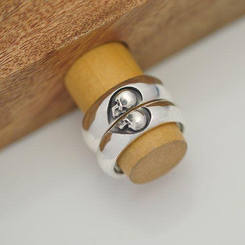 Par de alianças caveiras um só coração em prata 950k 8 mm (masculina) e 6 mm (feminina) - abaulada