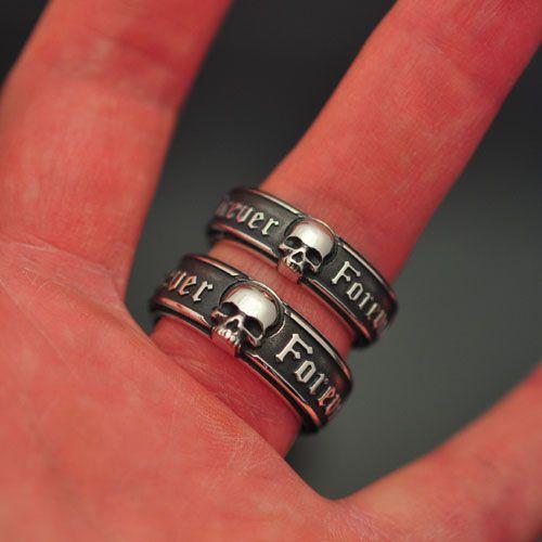 Par de Aliança Caveira Forever em Prata 950k - 9,5mm (masculina) e 8mm (feminina)