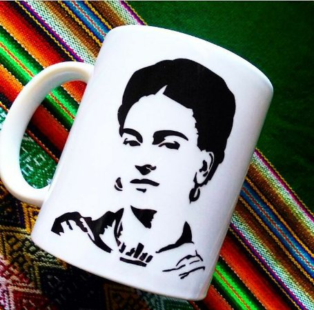 Caneca Frida Kahlo divina