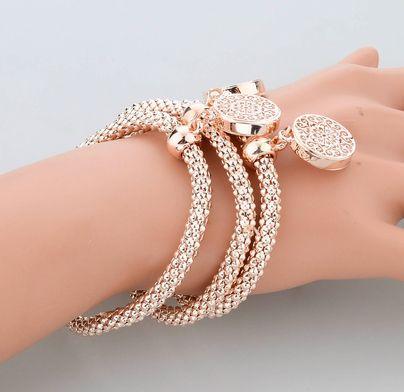 Pulseira Fashion semi-jóias para jovens elegantes