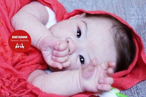 Boneca Bebê Reborn Menina Bebê Quase Real Lindíssima Com Enxoval Completo Mais Acessórios