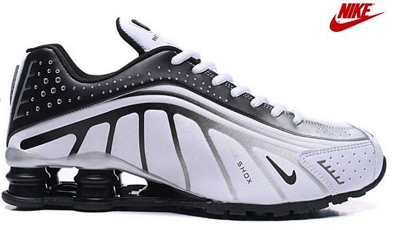 Nike Shox R4 - Branco e Cinza