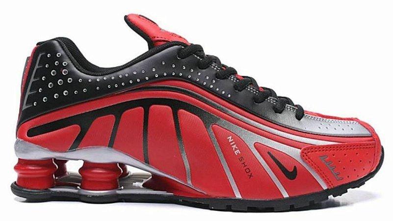 Nike Shox R4 - Vermelho e Prata