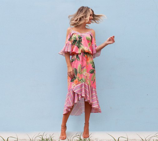 Vestido midi estampa floral rosa