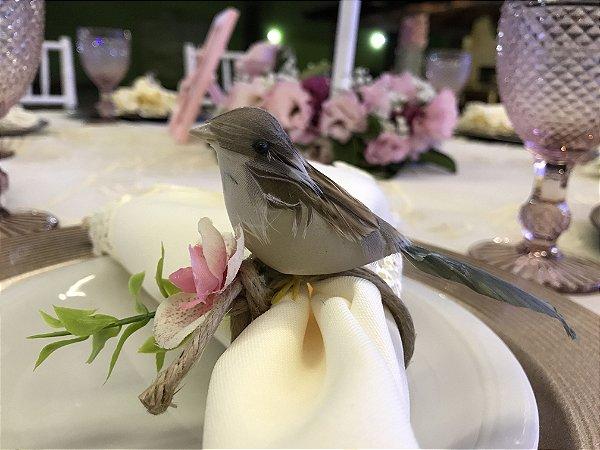 Pássaro bege