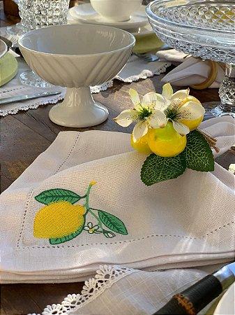 Guardanapo Bordado limão Siciliano e Ponto ajour