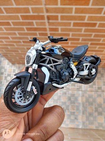 Miniatura Ducati Xdiavel S 2016 Bburago 1:18
