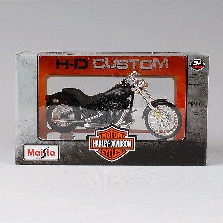 Miniatura de Moto - Haley Davidson Night Train FXSTB 2008 - Maisto 1/18