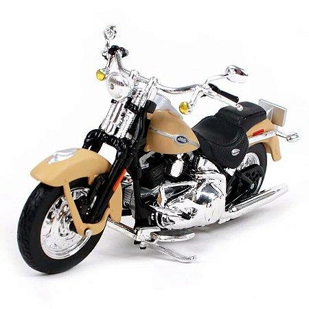 Miniatura Harley Davidson Ultra Classic Electra Glide 2005 Maisto 1:18 - Series 37